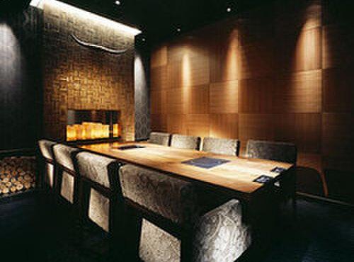 神戸プレジール - 内観写真:4名様~8名様までの個室もございます。ご来店の際はお問い合わせ下さいませ。