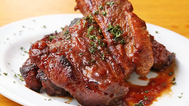南部鉄酒場 豚バルBYO - 料理写真:肉食系はこれ!スペアリブ