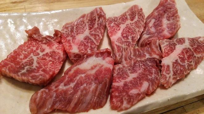塩ホルモンさとう - 料理写真:黒毛和牛上カルビ(ササミ)