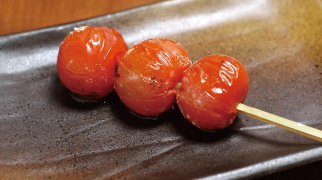 炙屋 十兵衛 - 料理写真:プチトマト串焼き
