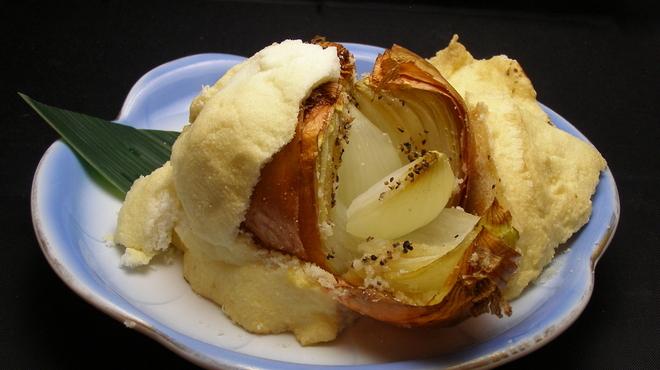 ふじ丸 - 料理写真:こだわり野菜シリーズ!【淡路島たまねぎ】あなたは食べたことありますか?玉ねぎなのにフルーツ並の糖度があります!淡路島あさだ農園さん直送の玉ねぎを食べたらヤミツキ間違いなし!塩釜ローストオニオンをこの機会にぜひ!