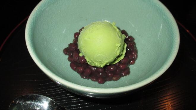 六本木 福鮨 - 料理写真:一番人気の抹茶あずき