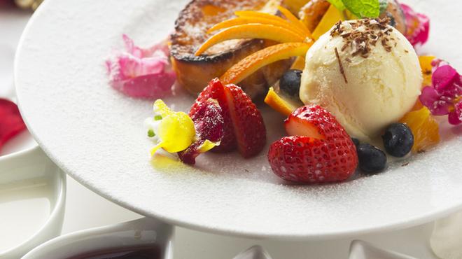 tres - 料理写真:選べるソースのフレンチトースト