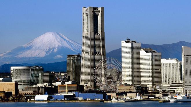 シリウス - 外観写真:みなとみらいのシンボル「横浜ランドマークタワー」のホテルです