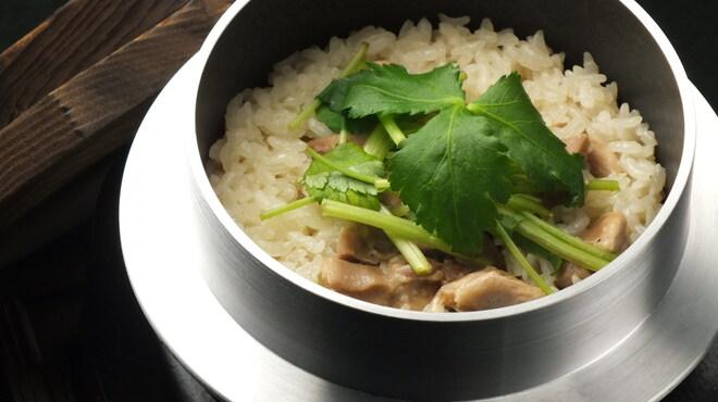 えん屋 - 料理写真:釜めし(地鶏)