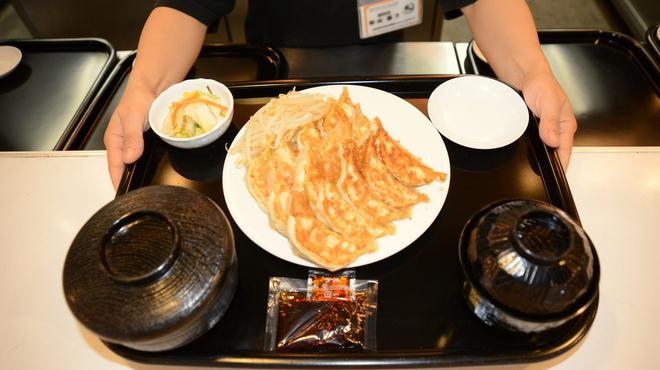 石松餃子 - メイン写真: