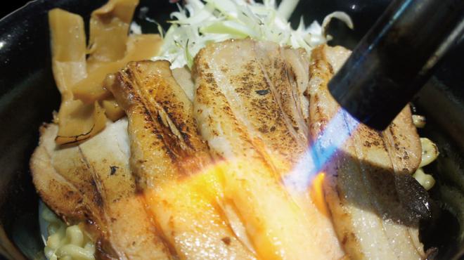 油そば専門店春日亭 - 料理写真:炙りしょうゆ油そば