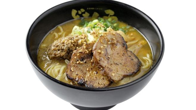 どさん子 - 料理写真:金練:100%北海道産「生味噌」を使用。味噌本来の味を追求したラーメンは、食べるほどに味噌の芳醇な香りが口の中に広がります。