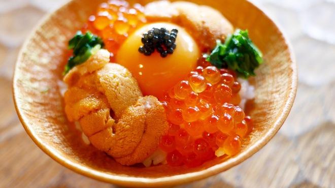 十番右京 - 料理写真:海の宝石卵かけごはん!