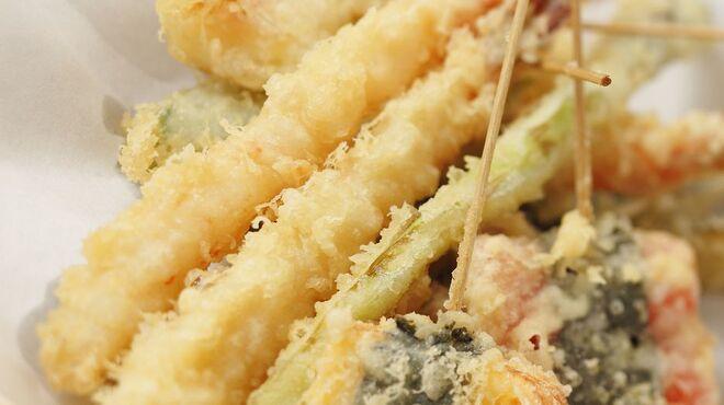 天ぷら海鮮 五福 - 料理写真:揚げたてアツアツの天ぷらも食べ放題♪