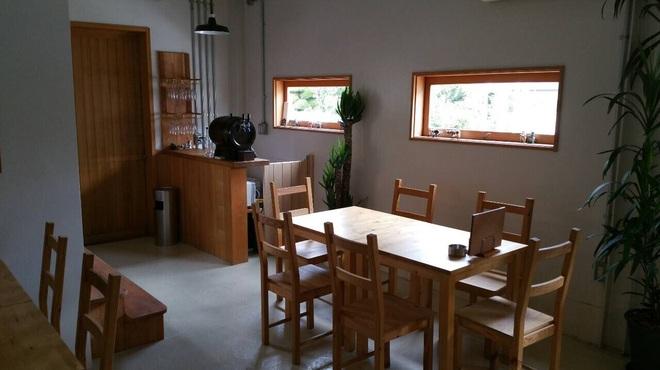 UshiGoya - 内観写真:テーブル席