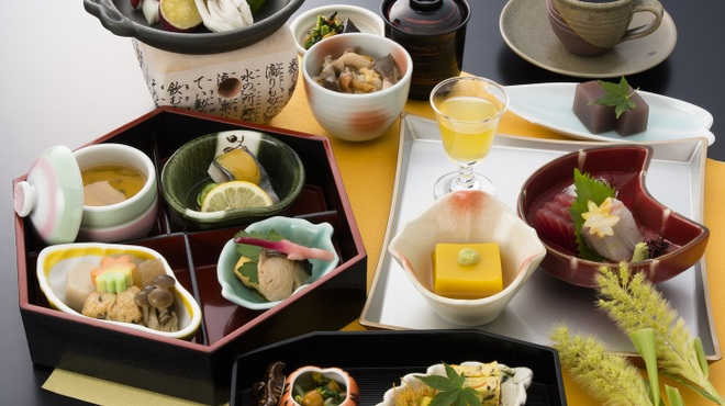 明月記 - 料理写真:昼の部9月8日~10月31日平日限定昼30食萩の膳2950円