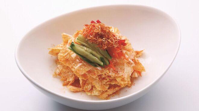 チェゴヤ - 料理写真:白菜とじゃこのコッチョリサラダ