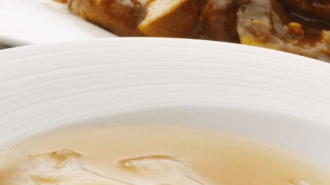 ジョーズ シャンハイ ニューヨーク - 料理写真:濃厚白湯のフカヒレの姿煮込み絶品です!