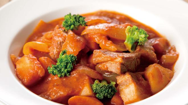 フィッシャーマンズ マーケット - 料理写真:グーラッシュ(パプリカを使用したトマトベースのシチュー)