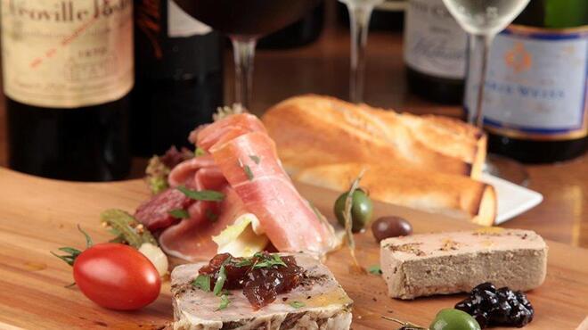 COVO - 料理写真:ワインに合わせたおつまみ料理も豊富に