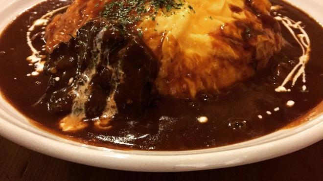 UshiGoya - 料理写真:牛タンシチューのオムライス