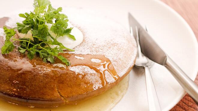 アネアカフェ - 料理写真:自家製特大パンケーキ