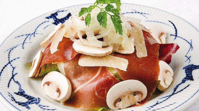 銀座洋食 三笠會館 - 料理写真:長谷川農園マッシュルームと生ハムのサラダ