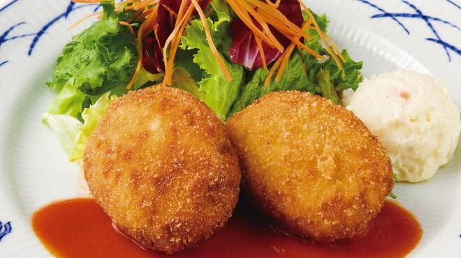 銀座洋食 三笠會館 - 料理写真:紅ずわい蟹のクリームコロッケ