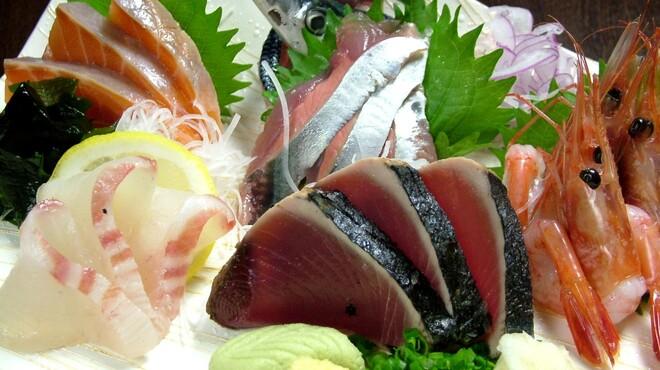 馬鹿とけむり - 料理写真:産直鮮魚の盛り合わせ