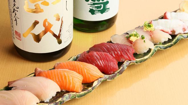 跳魚 - 料理写真:特選!居酒屋の握り寿司