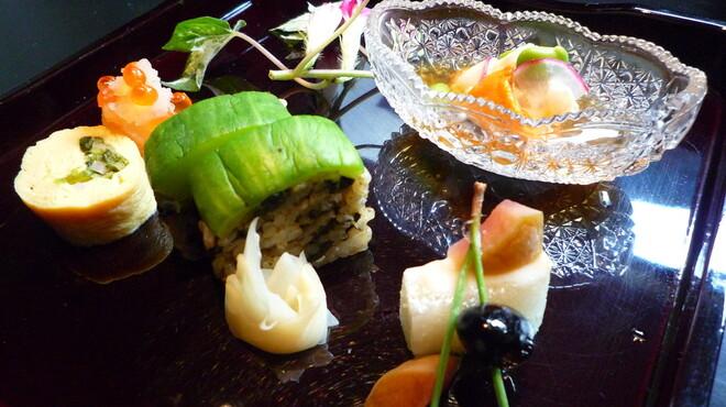 小の半 - 料理写真:葉月 会席 前菜