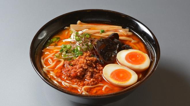 富山ブラック 麺家いろは - 料理写真:激辛味玉タンタン麺