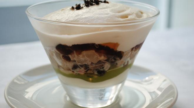 俺のフレンチ・イタリアン - 料理写真:ホタテとズワイガニのタルタル コンソメジュレ寄せ