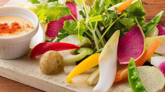 フレンチーナ - 料理写真:季節の彩り野菜 アイオリソースで