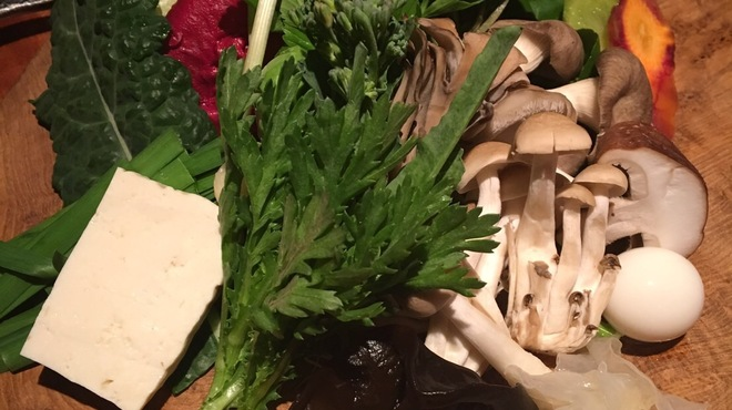ABRACADABRA 薬膳鍋 - 料理写真:1人前セットのお野菜たち