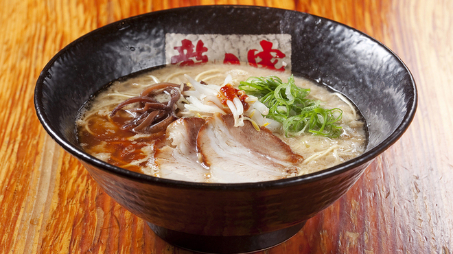 ラーメン龍の家 - 料理写真:とんこつ こく味780円