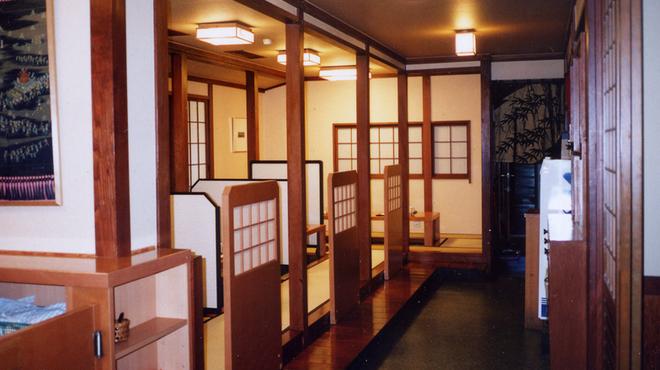 博多水たき元祖 水月 - 内観写真:一階堀炬燵席