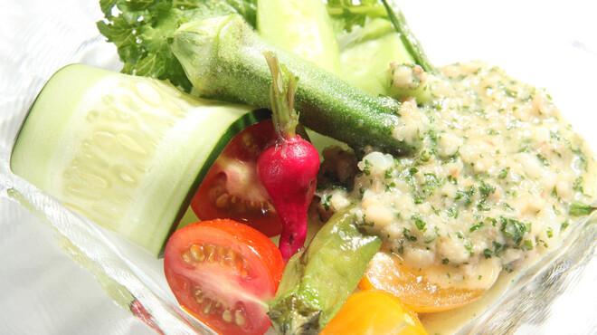 ル ベナトン - 料理写真:季節野菜と豚足ソース