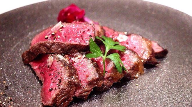 アドニス ティ テーブル - 料理写真:A5和牛の燻製牛