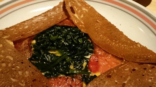 バーレオン - 料理写真:ほうれん草とベーコンのガレット