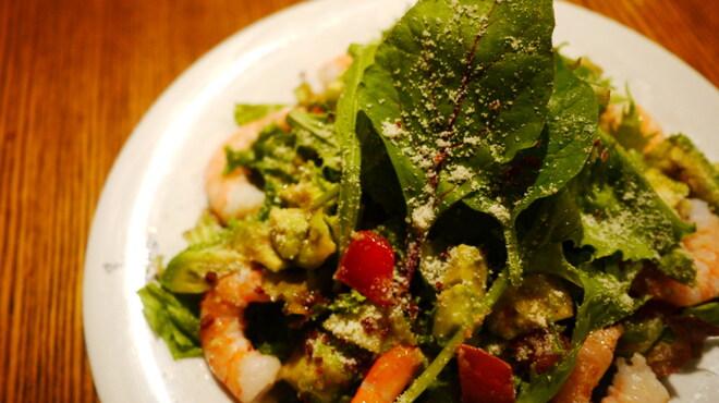 ダブルトールカフェ - 料理写真:エビとアボカドのダブルトールサラダ