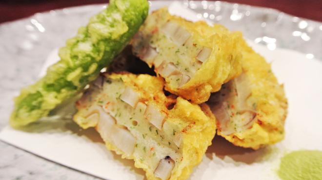 ADO - 料理写真:海老のレンコンはさみ揚げ