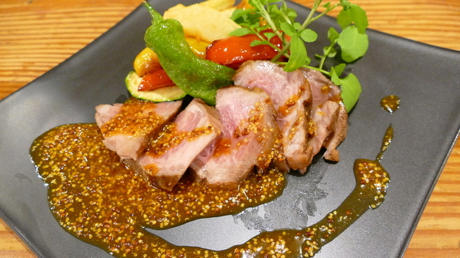 ラ ポスト - 料理写真:スペイン産イベリコ豚のロースト