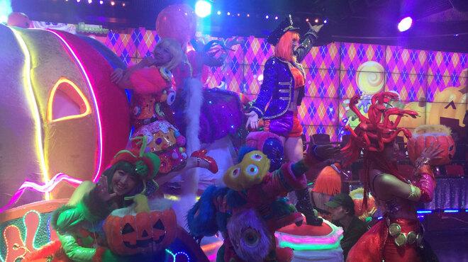 ロボットレストラン - 内観写真:10/31までハロウィン!