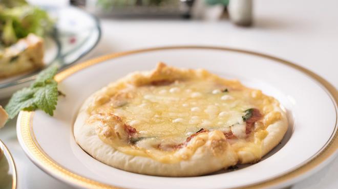 あんぷ~ - 料理写真:コース料理の「スープ・パン」は、ご希望によりピザなどへ変更可能です。