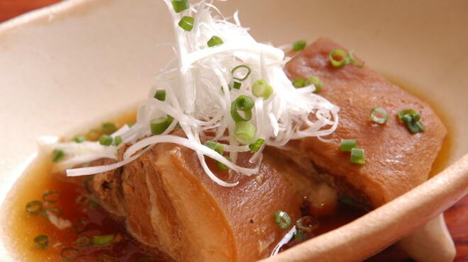 サザンウインドウ - 料理写真:お箸で千切れる程柔らかいラフティです