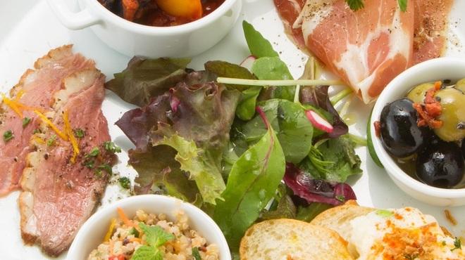オンザテーブル バイ グッドビア フォウセッツ - 料理写真:前菜6種の盛り合わせ