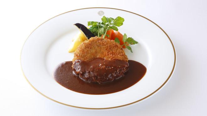 資生堂パーラー - 料理写真:洋食フェア メンチカツ