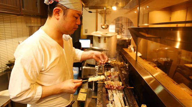 鳥恵 - その他写真:名店で磨いた技をひと串に込めて