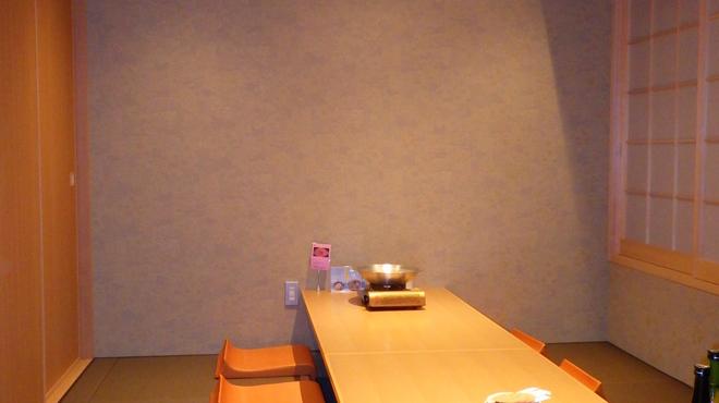 和饗 - 内観写真:お座敷(掘りごたつ)