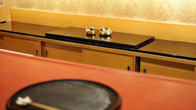 にくの匠 三芳 - 内観写真:カウンター