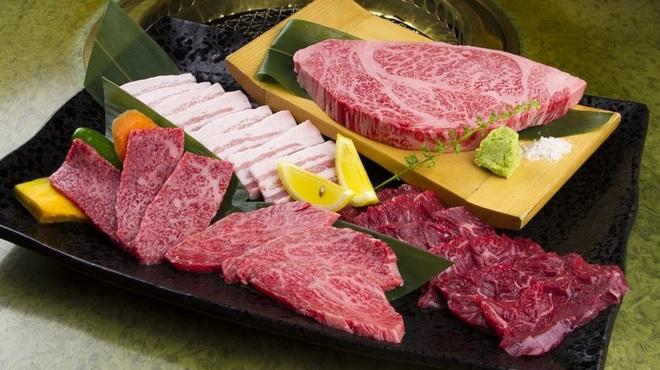 焼き肉 宝山 - メイン写真: