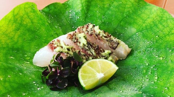 乃木坂 しん - 料理写真:鯛のたたき