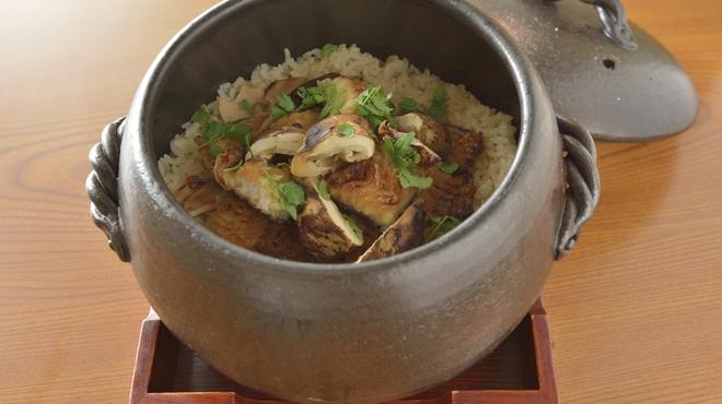 乃木坂 しん - 料理写真:季節の土鍋ご飯